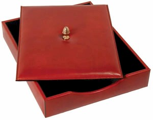 731 Bosca Letter Tray with Lid in rich traditional old world leather