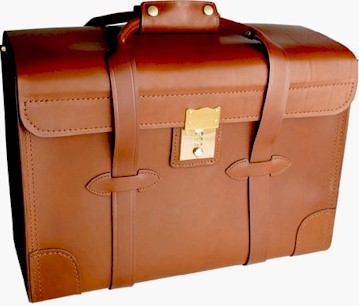 537K18 18 inch Top Grain Leather Catalog Case with lock